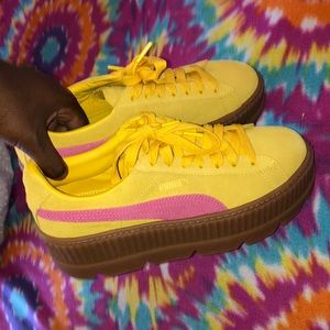 Yellow & Pink Creepers 💋